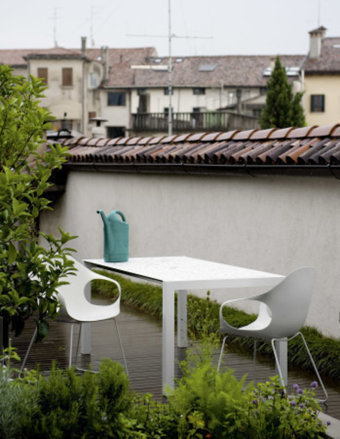 Elephant outdoor chair by Kristalia por Urbansuitehome Moderno