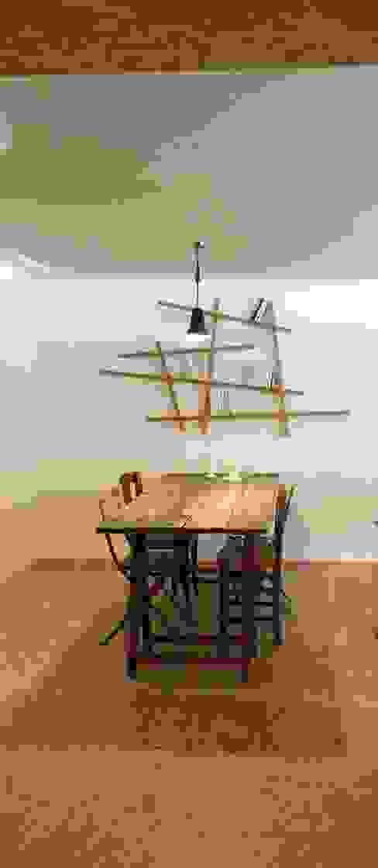 Столовая комната в стиле модерн от Atelier d'Ersu & Blanco Модерн