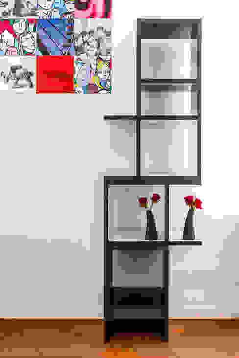 kwartkuub zwart-wit: modern  door Meubelmakerij Luitjens, Modern
