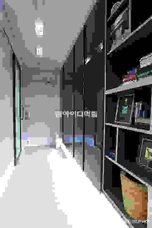 영등포구 당산동 19평형 원룸형 아파트: MID 먹줄의  복도 & 현관,모던