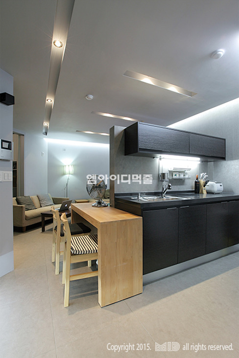 Modern kitchen by MID 먹줄 Modern