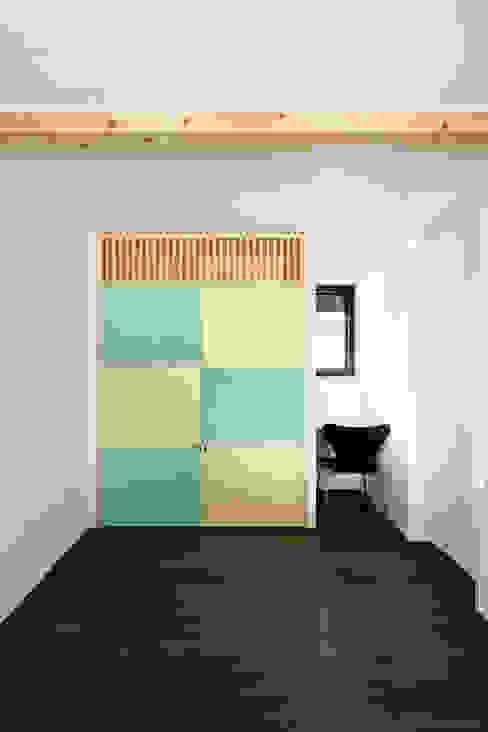 Modern style bedroom by 山田伸彦建築設計事務所 Modern
