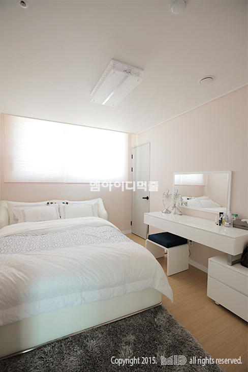 Modern style bedroom by MID 먹줄 Modern