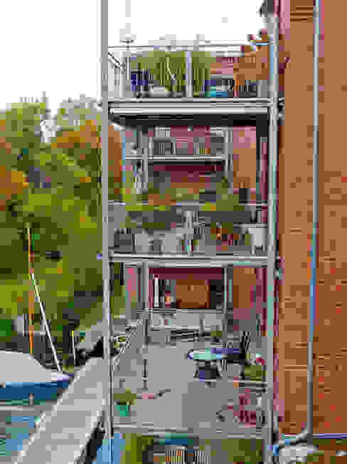 großformatige, verschleißfeste Balkonplatten aus Polymerbeton Moderne Häuser von Mineralit - Mineralgusswerk Laage GmbH Modern