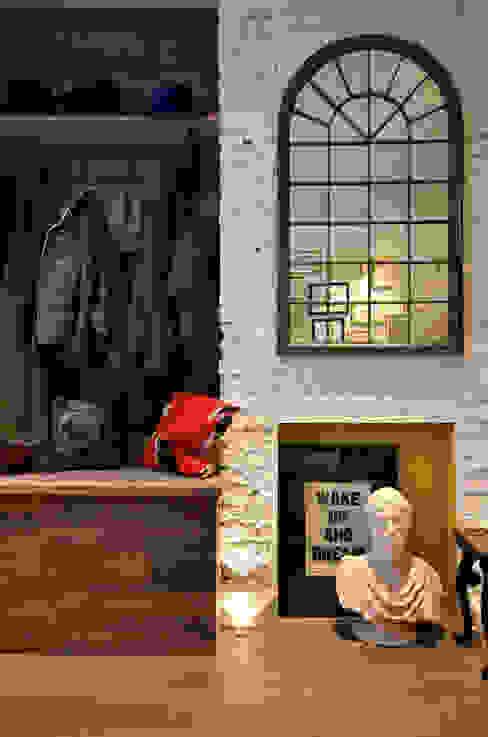 Notting Hill Maisonette Pasillos, vestíbulos y escaleras de estilo ecléctico de Barlow & Barlow Design Ecléctico