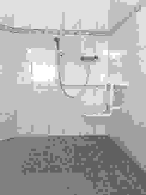 Barrierefreie Dusche Moderne Badezimmer von Mihm Thermohaus Modern