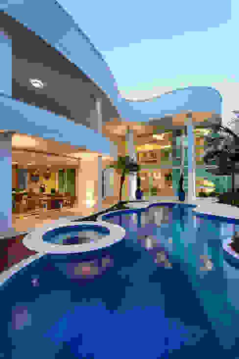 Casas  por Arquiteto Aquiles Nícolas Kílaris,