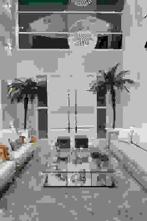 Livings modernos: Ideas, imágenes y decoración de Arquiteto Aquiles Nícolas Kílaris Moderno