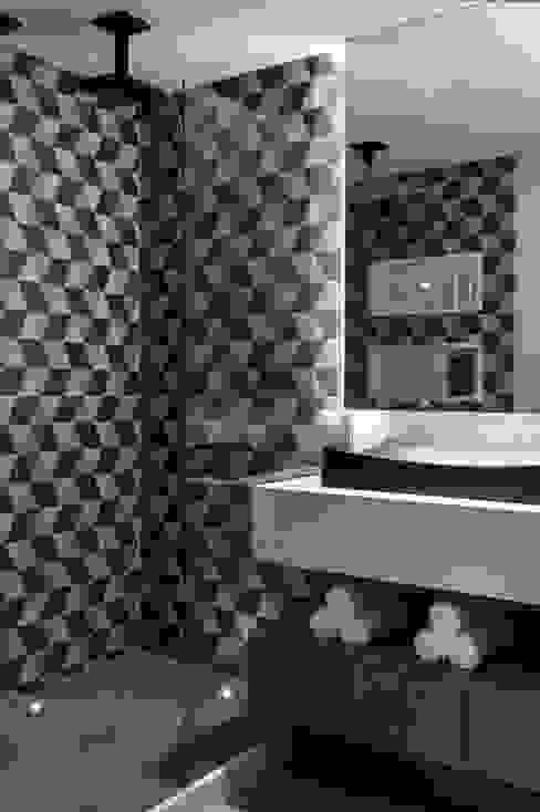 Baños modernos de Celia Beatriz Arquitetura Moderno