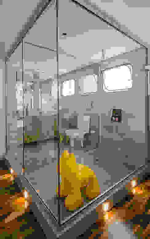 Apartamento Vila Nova Conceição Banheiros modernos por Marcella Loeb Moderno