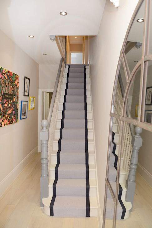 Family Home Ruth Noble Interiors Couloir, entrée, escaliersEscaliers