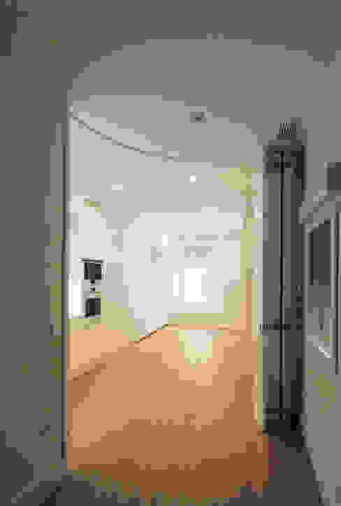 Reforma de Apartamento en Sevilla CM4 Arquitectos Puertas y ventanasPuertas
