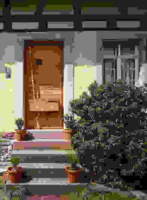 Rustykalne okna i drzwi od Kohlbecker Gesamtplan GmbH Rustykalny