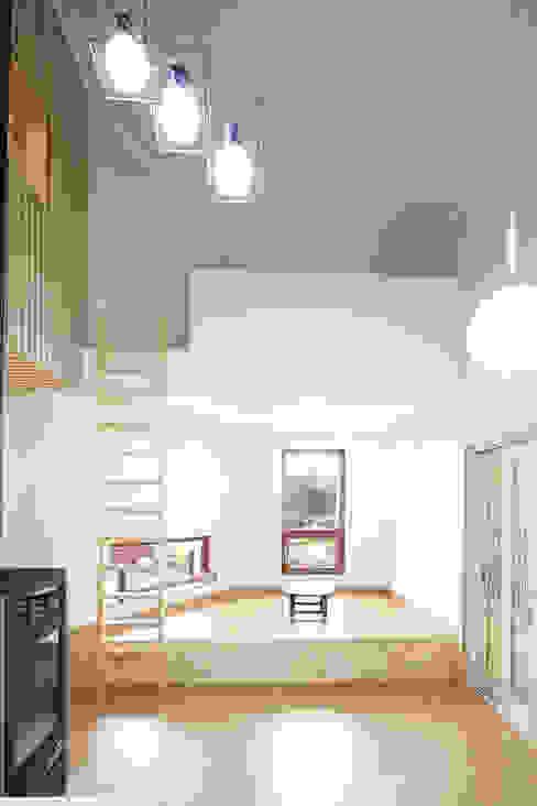 Ruang Makan Modern Oleh 주택설계전문 디자인그룹 홈스타일토토 Modern