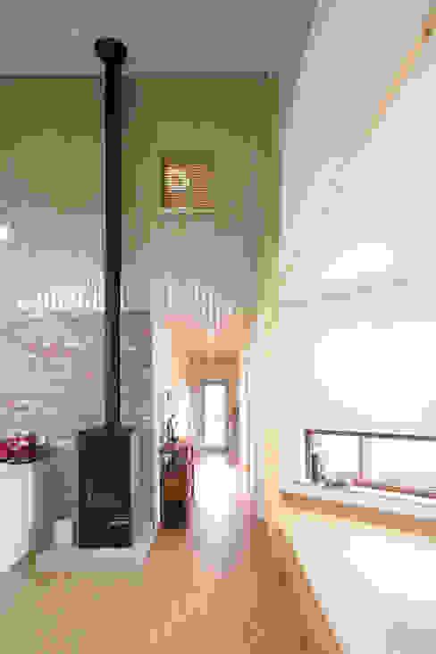 Projekty,  Jadalnia zaprojektowane przez 주택설계전문 디자인그룹 홈스타일토토,