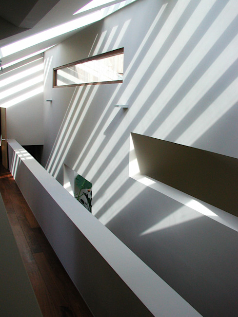 Hallway Pasillos, vestíbulos y escaleras de estilo moderno de Giles Jollands Architect Moderno