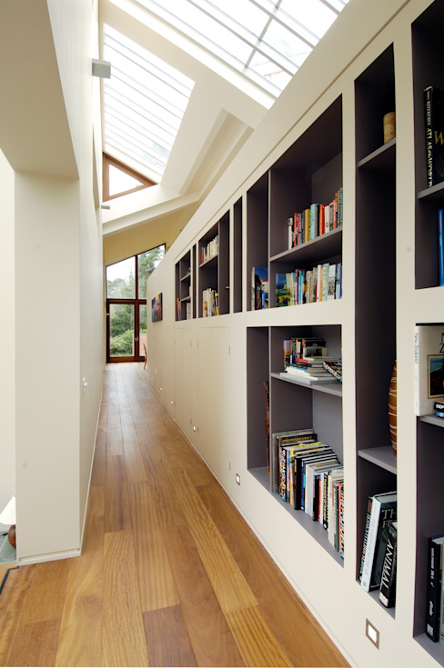 Bookcases Modern corridor, hallway & stairs by Giles Jollands Architect Modern