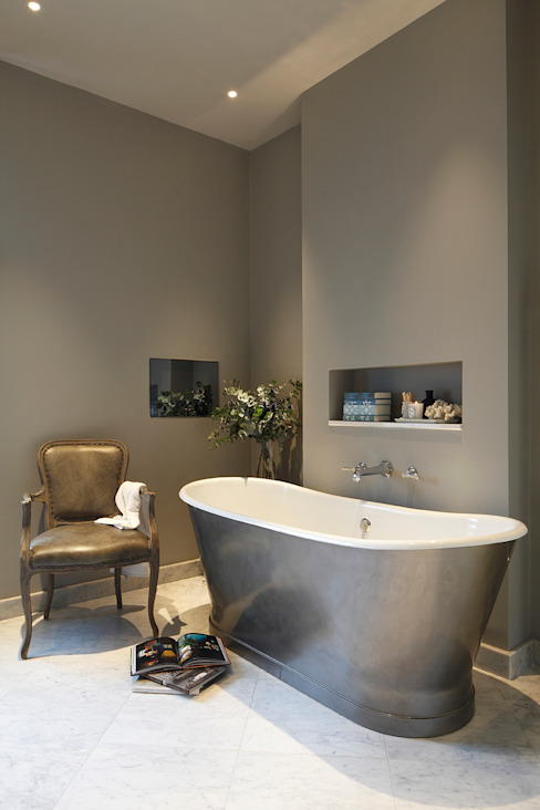 Master Bedroom Ensuite Classic style bathroom by Laura Sole Interiors Classic
