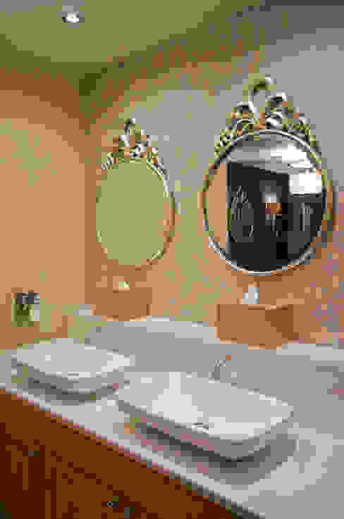 Horsley Lodge Washroom Refurbishment - Ladies Powder Room Rachel McLane Ltd モダンなホテル