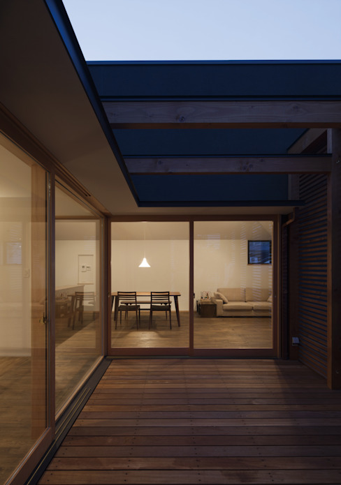 Balcon, Veranda & Terrasse modernes par アトリエ・ブリコラージュ一級建築士事務所 Moderne