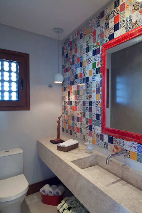 Baños de estilo  por Seferin Arquitetura, Moderno