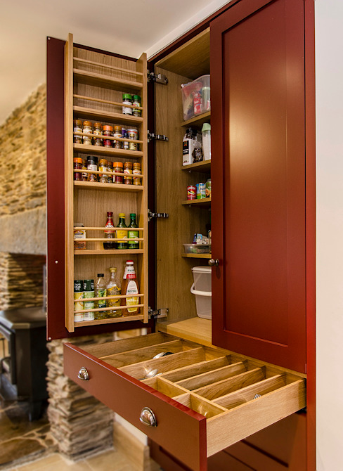 homify KitchenStorage