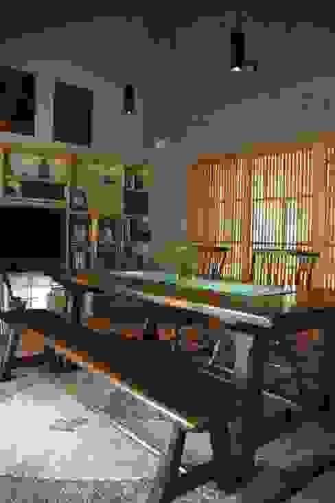 広間1 オリジナルデザインの リビング の ばん設計小材事務所 オリジナル