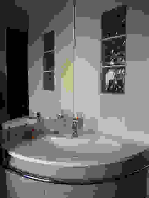 Salle de bains par AB+ARCHI Moderne