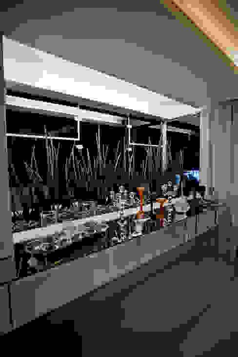 Apartamento E&E.S - Sala de Jantar Jardins de inverno modernos por Kali Arquitetura Moderno