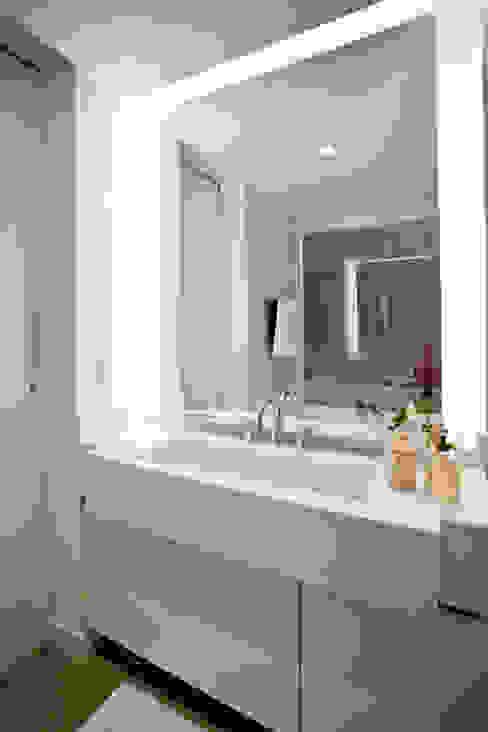 Apartamento E&E.S - Banheiro por Kali Arquitetura Moderno