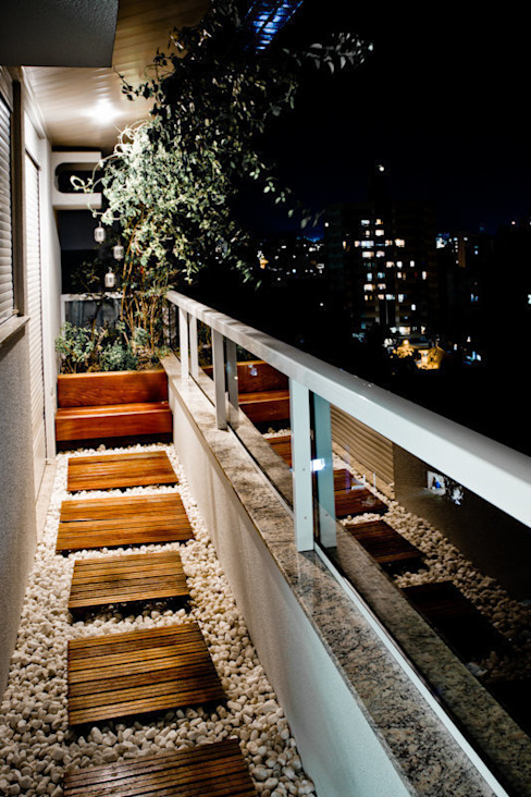 Balcones y terrazas de estilo moderno de Kali Arquitetura Moderno