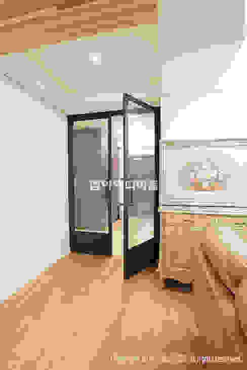 이태원 청화아파트 58평형 아시아스타일 거실 by MID 먹줄 한옥