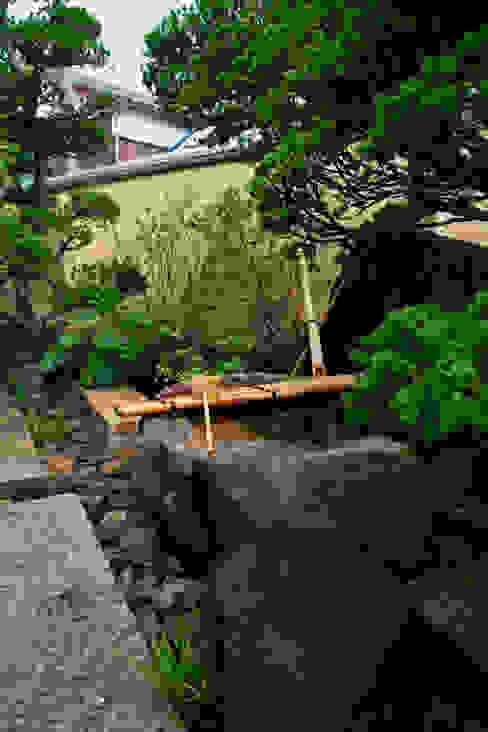 モダンでフォーマルな和の庭 2013~ にわいろSTYLE オリジナルな 庭