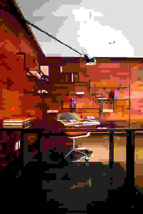 Départamento Vidalta: Estudios y oficinas de estilo  por Concepto Taller de Arquitectura, Moderno