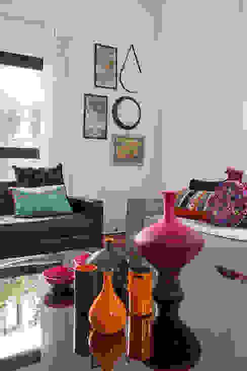 Projekty,  Salon zaprojektowane przez Marcos Contrera Arquitetura & Interiores, Egzotyczny