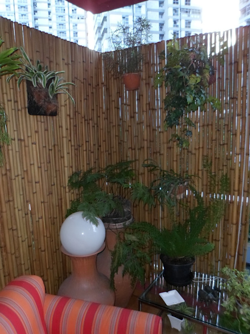 Cercas e painéis de bambu para áreas internas e externas. Varandas, alpendres e terraços rústicos por Bambu Rei Eco-Design Rústico