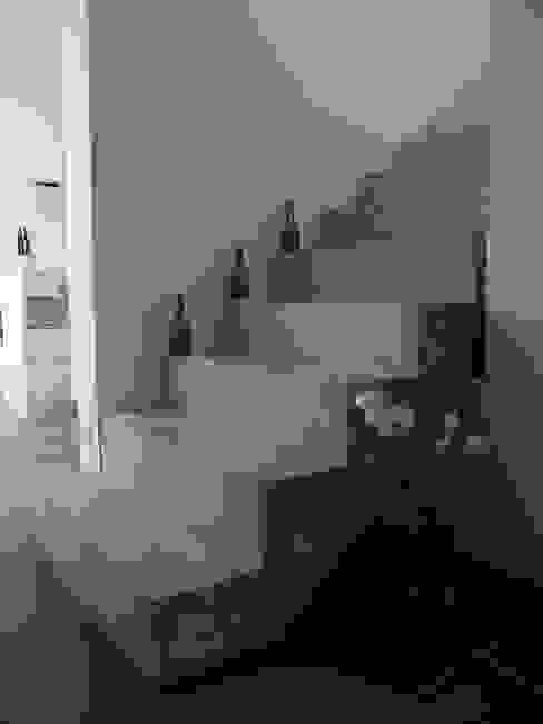 Corridor & hallway by Firma, Minimalist