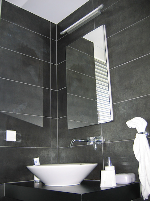 EFH Steinbreite, Ehrendingen, 2009 Moderne Badezimmer von 5 Architekten AG Modern
