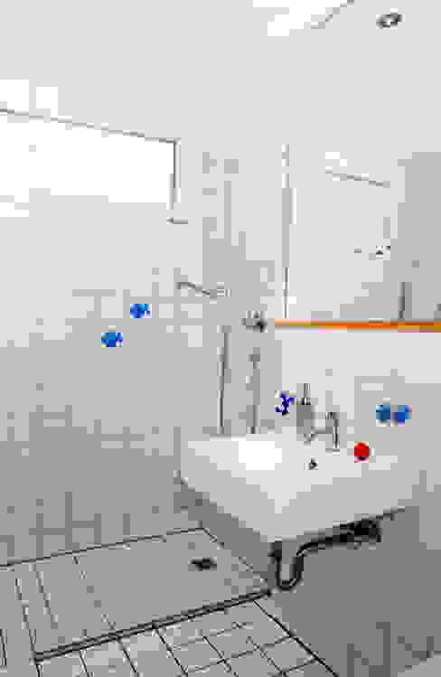 Nowoczesna łazienka od 5 Architekten AG Nowoczesny
