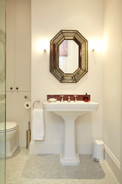 Renovation of Flat Marylebone Eclectic style bathroom by Saunders Interiors Ltd Eclectic