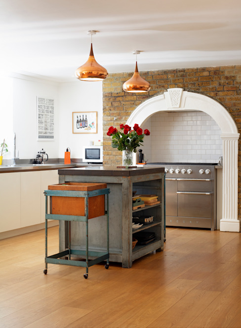 Kitchen by ReDesign London Ltd