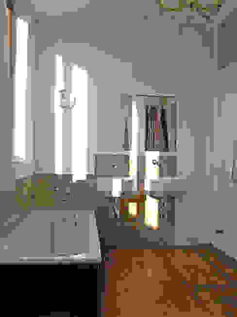 Badezimmer Badezimmer im Landhausstil von sopha Fietzek von Dreusche Partnerschaft GmbB Landhaus