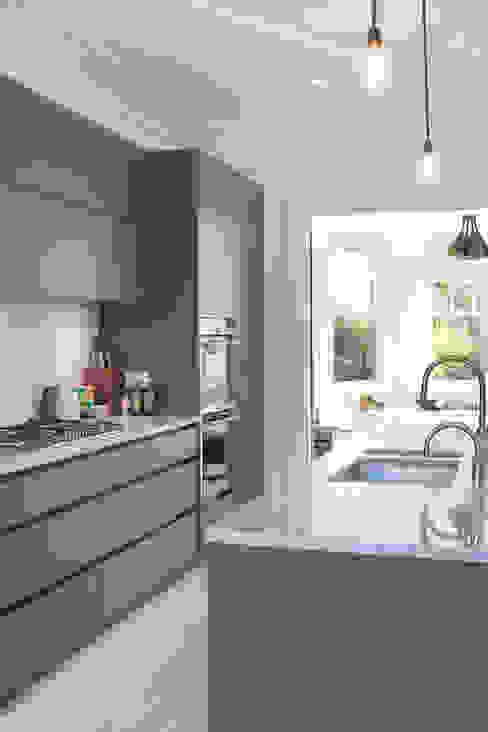 PG Residence Scandinavian style kitchen by deDraft Ltd Scandinavian