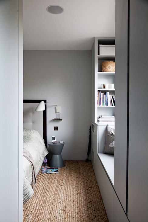 Bedroom Quartos modernos por homify Moderno