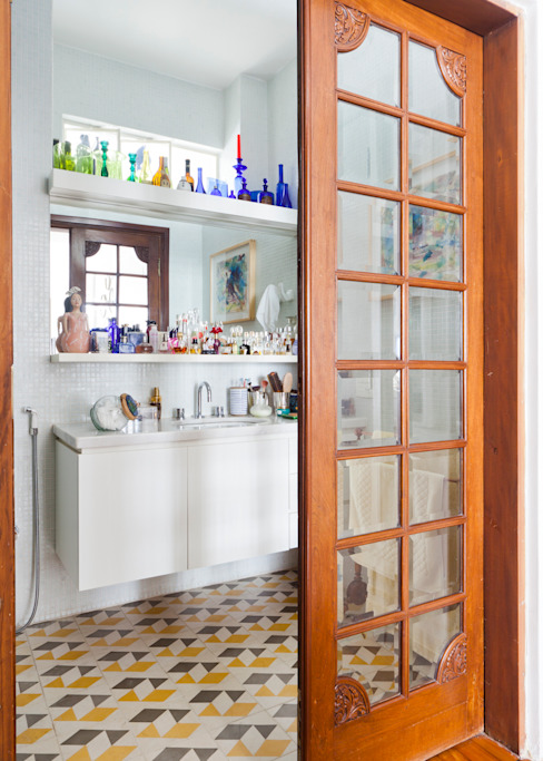 Ванная комната в эклектичном стиле от Zemel+ ARQUITETOS Эклектичный