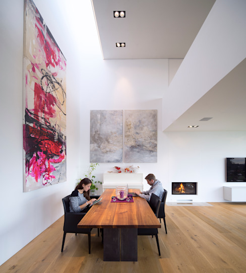 Modern dining room by Schiller Architektur BDA Modern