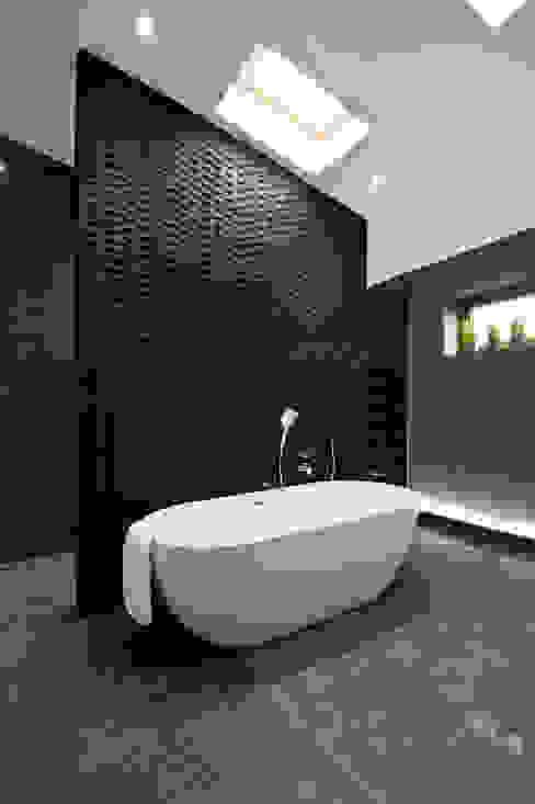 Rock Star Bathroom Modern bathroom by Lisa Melvin Design Modern