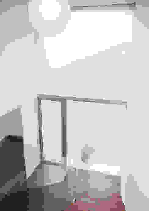 Eingangselement Moderner Flur, Diele & Treppenhaus von GESSNER INNENARCHITEKTUR Modern