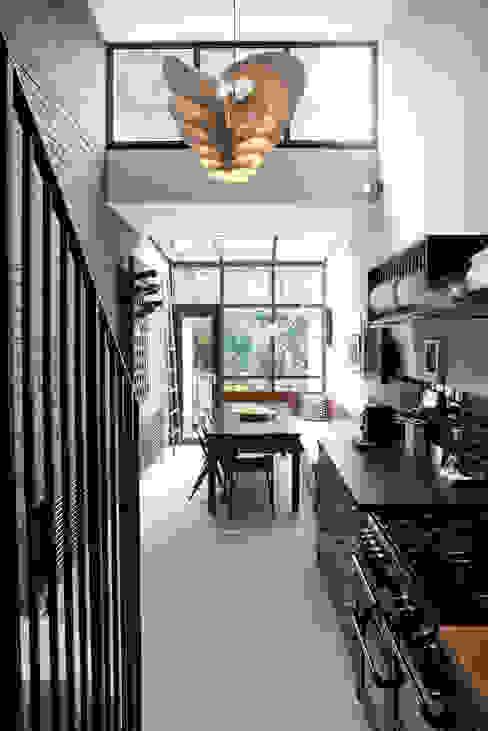 Kitchen Cozinhas modernas por homify Moderno