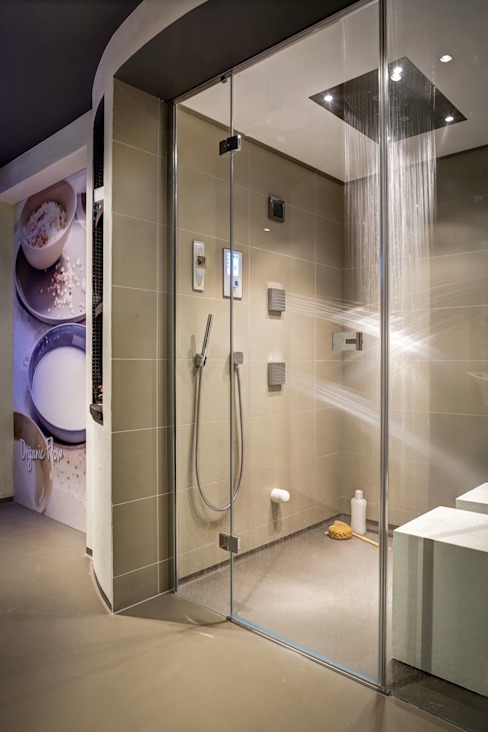 Feature Showers and Steam Showers Casas de banho modernas por Nordic Saunas and Steam Moderno